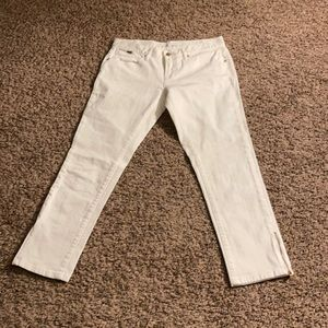 Adorable cropped London Jeans with zipper on legs